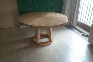 Round solid oak table